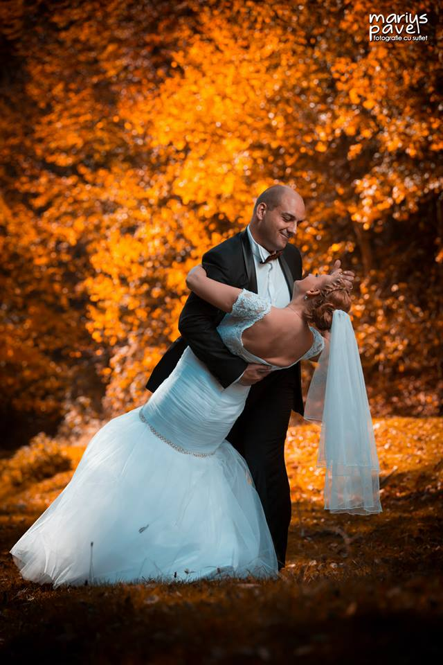 Foto nunta toamna – trash the dress