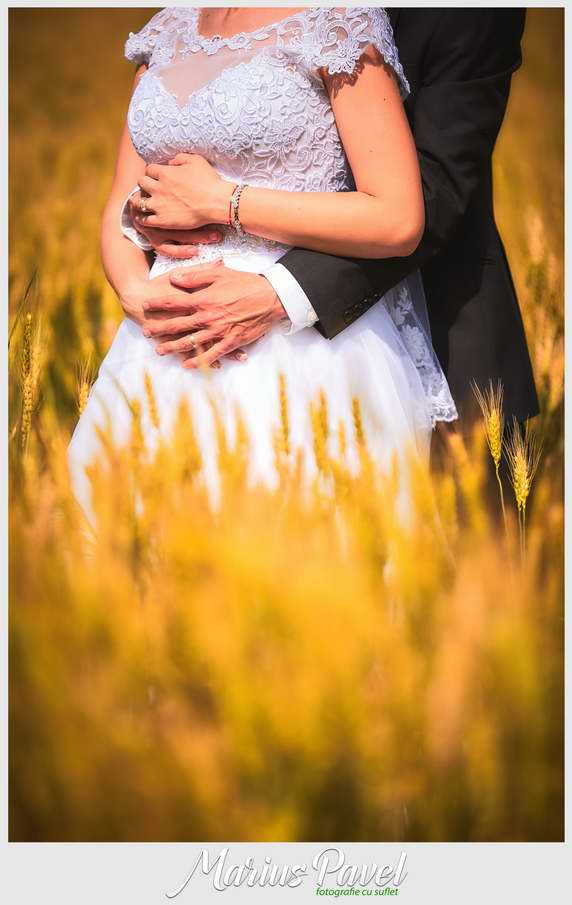 Trash the dress in grau