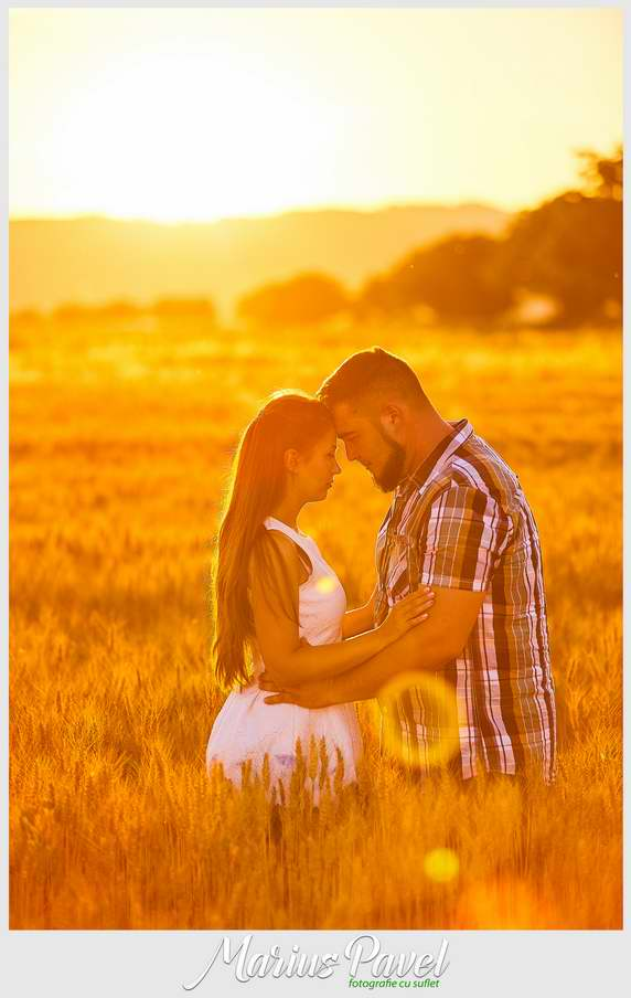 Fotografii de cuplu la apusul soarelui